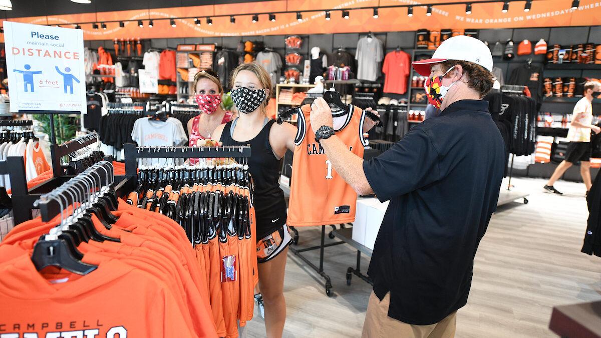 shoppers in the Bazaar