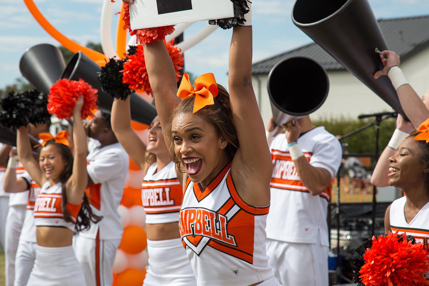Campbell cheerleaders