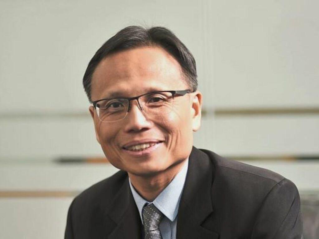 Dr. Lee Sze Wei headshot