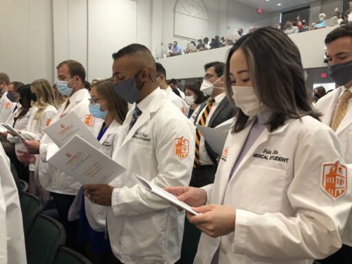 DO students taking the Osteopathic Oath