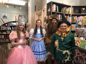People dressed up as characters from the Wizard of Oz.