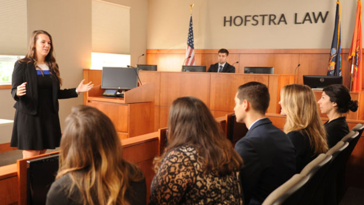 Photo of hofstra law courtroom with students