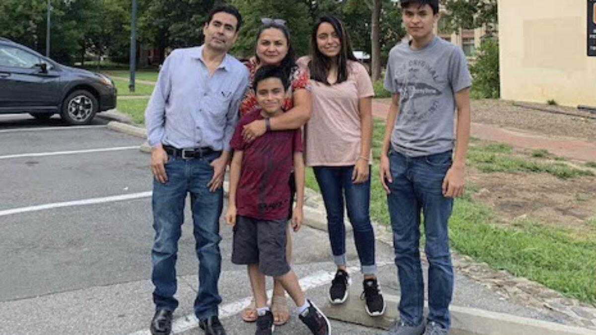 Teresita-Family-Picture-21024_1